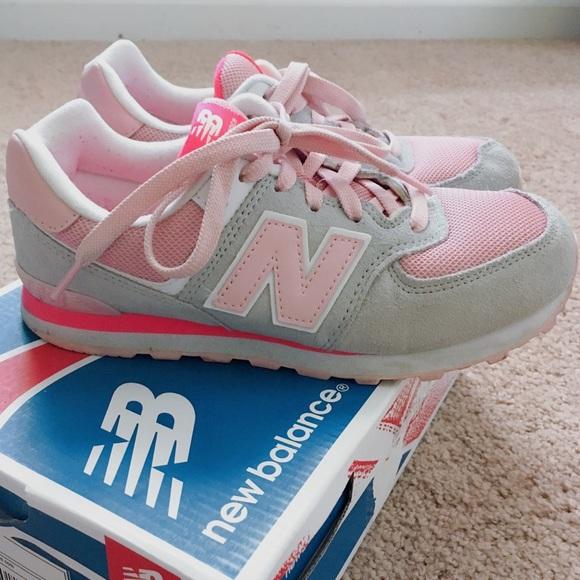 3ff30a7ec78f9 New Balance Rare Pink Grey 574 Sneaker. M_5b96f4dd4ab6336dd25e1915